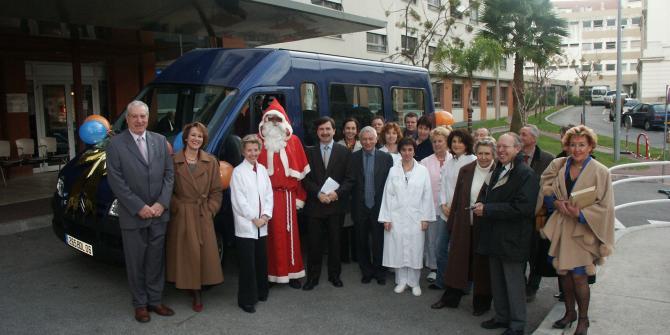 Don mini bus gerontologie